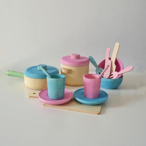 Wood tea set